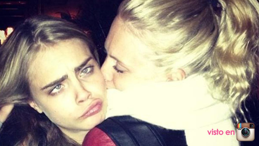 Poppy adora a su hermana pequeña, Cara