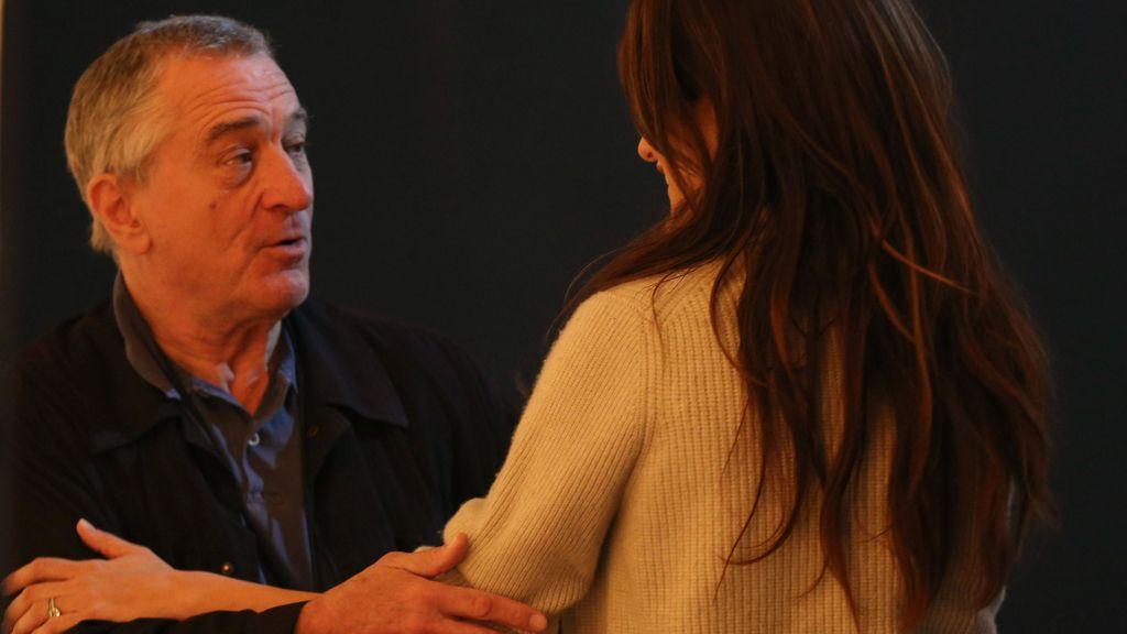 Penélope Cruz junto al actor Robert DeNiro durante los ensayos