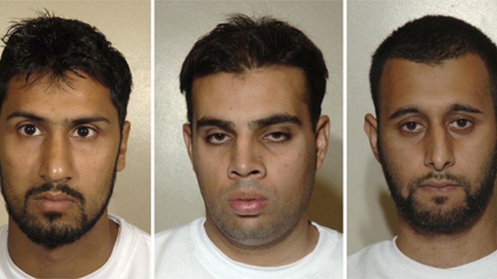 Los tres terroristas condenados por planear atentar con bombas líquidas en aviones