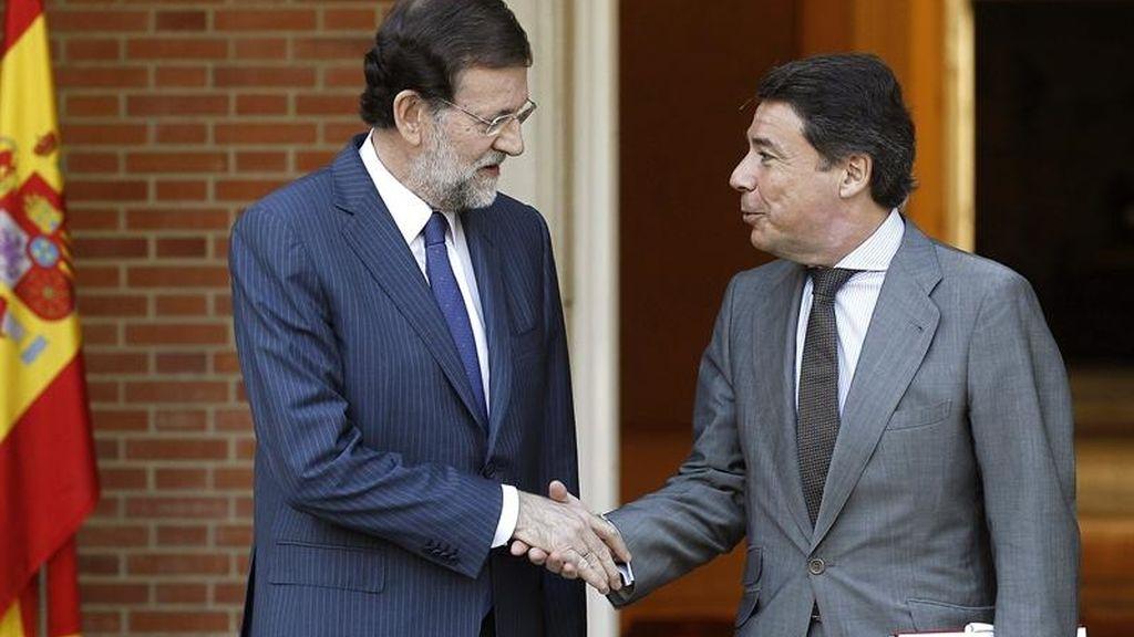 Mariano Rajoy recibe al presidente de la comunidad de Madrid, Ignacio González
