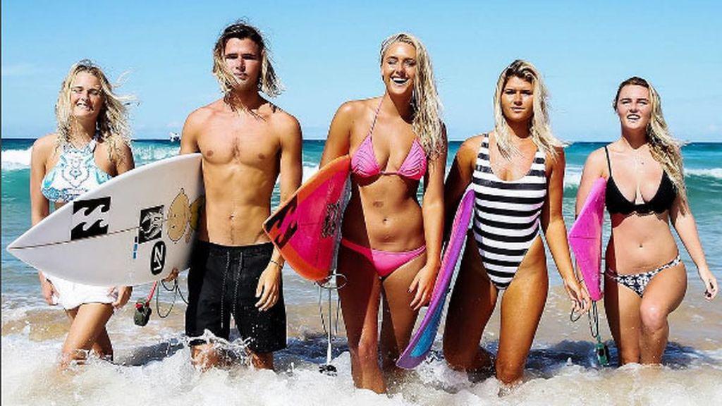 Todos son rubios y todos son surfistas