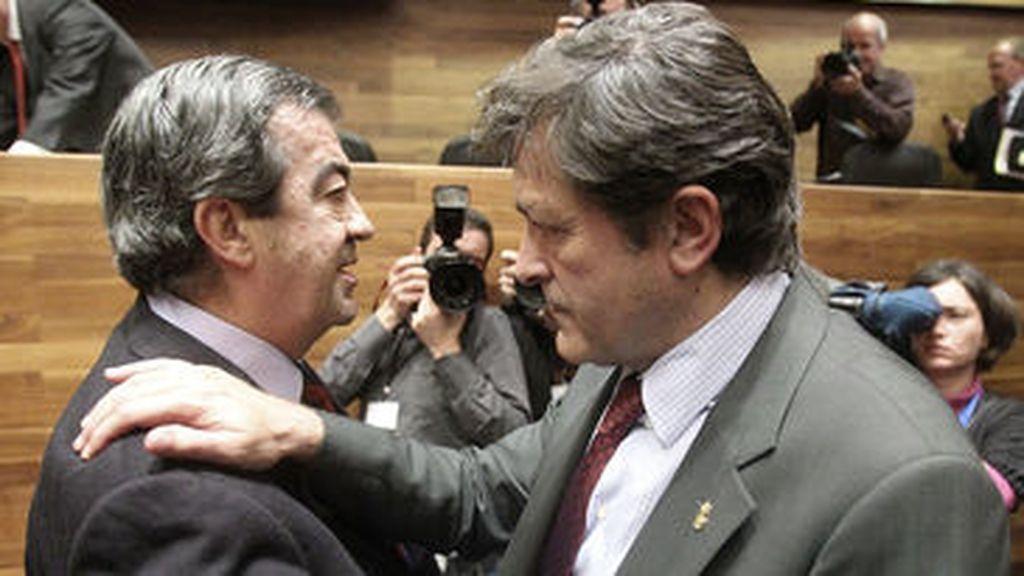 Javier Fernández promete su cargo