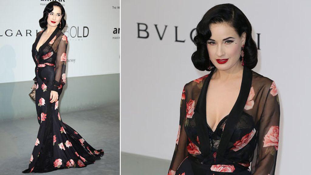 Dita Von Teese lució vestido de Blumarine
