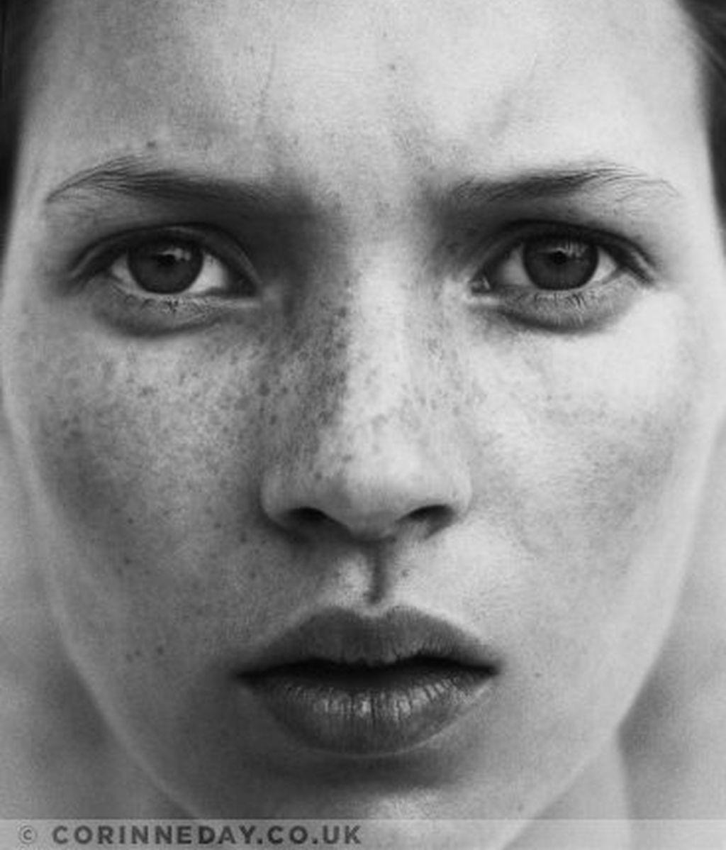 Los inéditos de Kate Moss podrían salvarle la vida a su descubridora