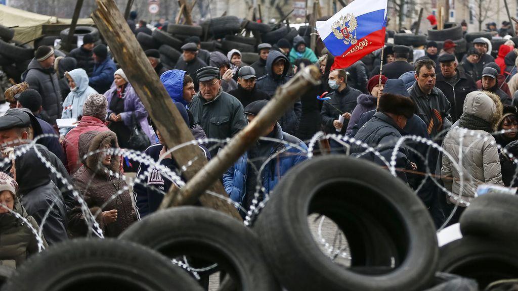 Manifestantes prorrusos en Donetsk