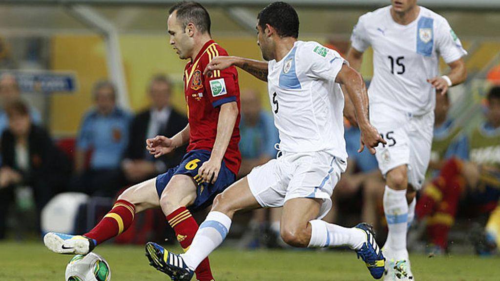 Del Bosque sacó en el medio a Iniesta, Xavi y Busquets