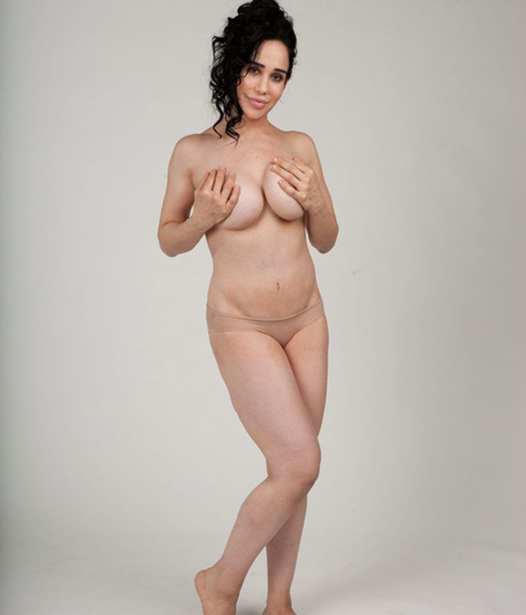 Se desnuda para el novio