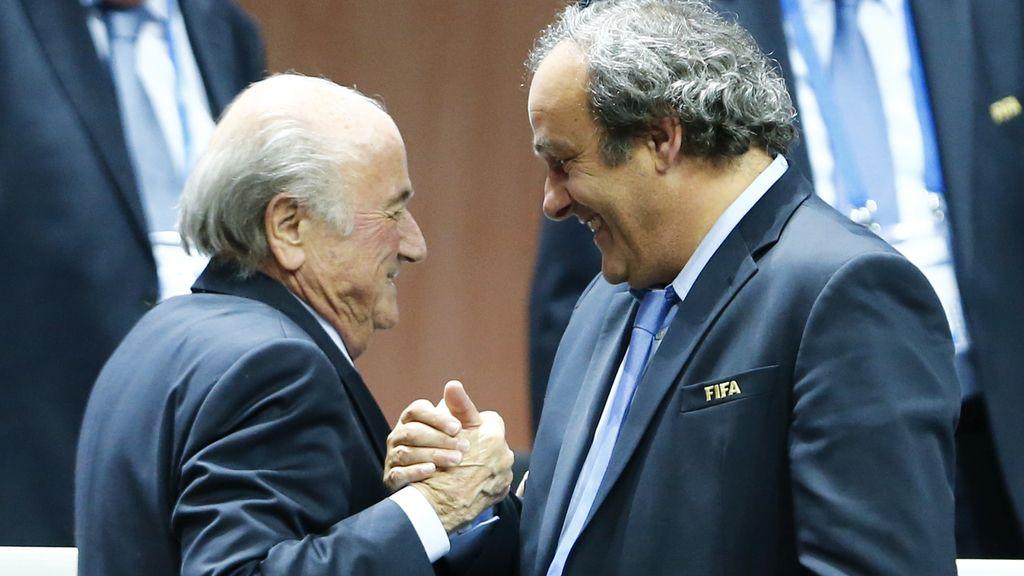 Blatter y Platini, condenados