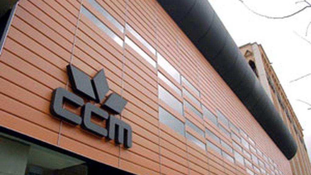Caja Castilla-La Mancha es la primera gran entidad intervenida desde Banesto en 1993. FOTO: EFE