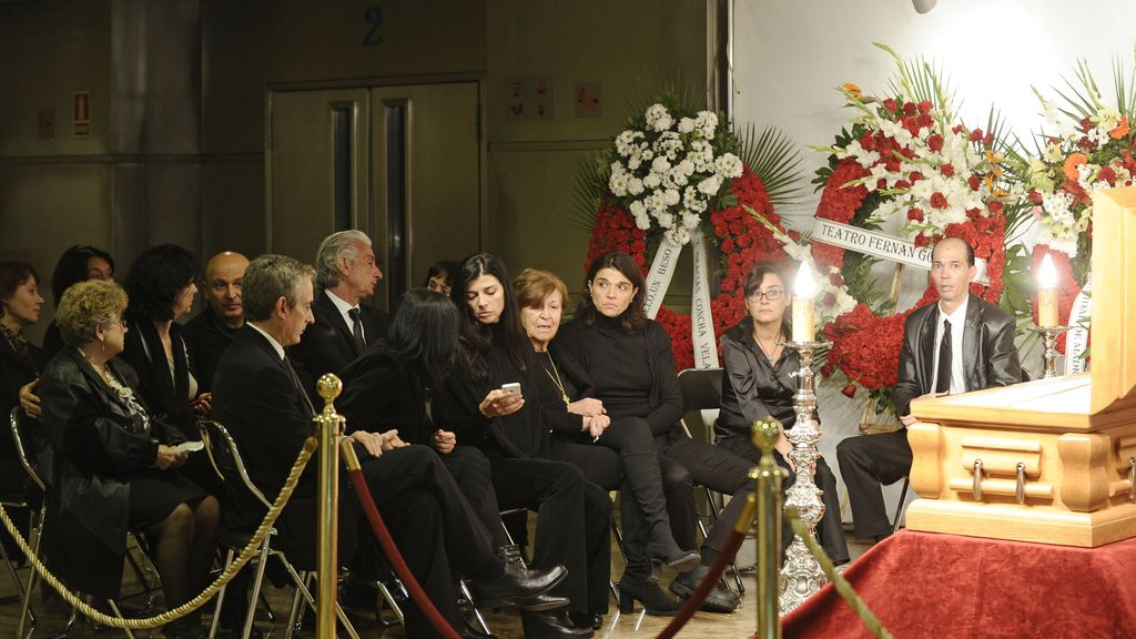 Familiares y amigos despiden al actor español Tony Leblanc