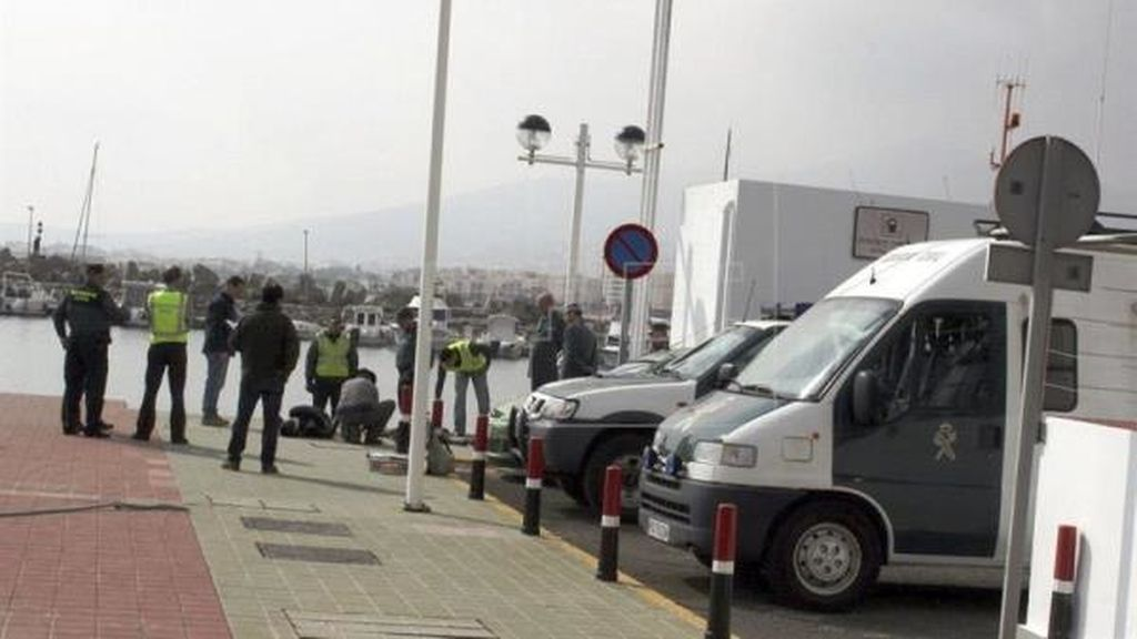 Muere un magrebí al intentar ir en un barco a Málaga