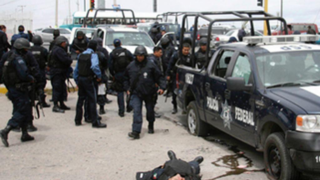 Al menos seis policías muertos en una emboscada de los narcos mejicanos