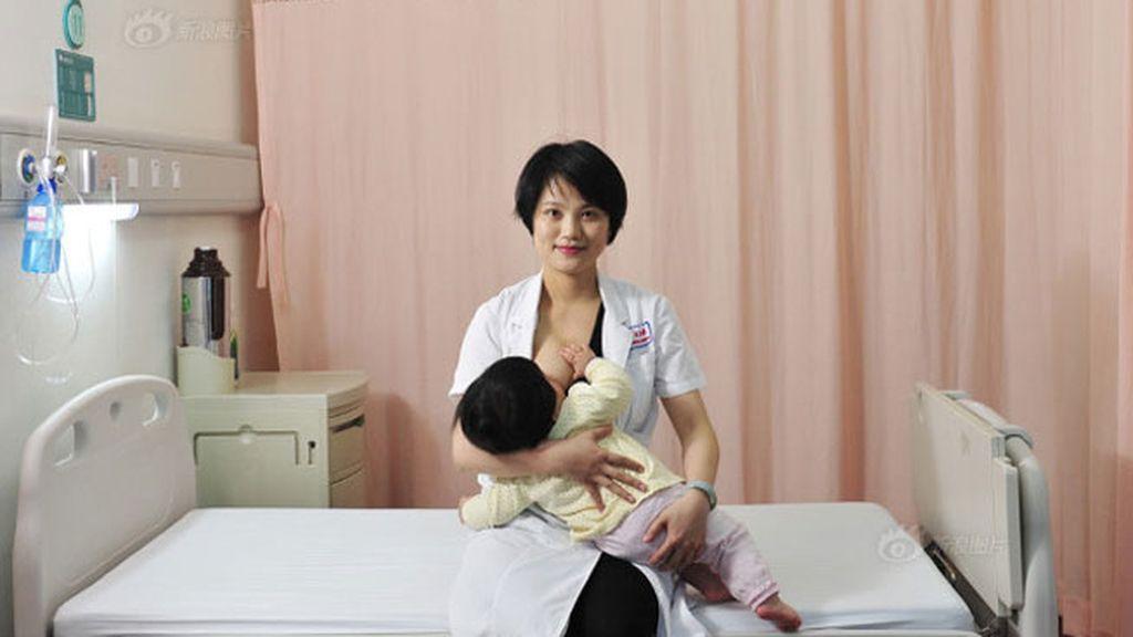 Miles de madres exigen una habitación, que no sea en los baños