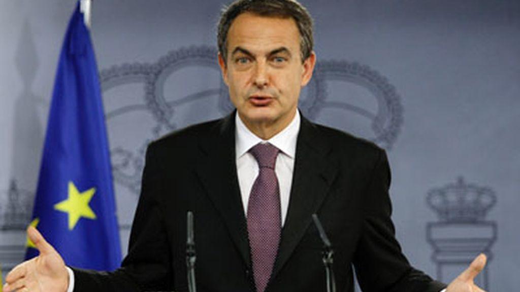 """La oposición exige una comparecencia """"urgente"""" de Zapatero en el Congreso"""