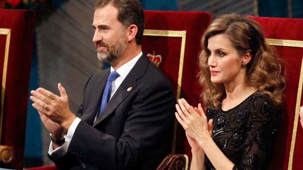 Los Príncipes de Asturias durante la entrega de premios