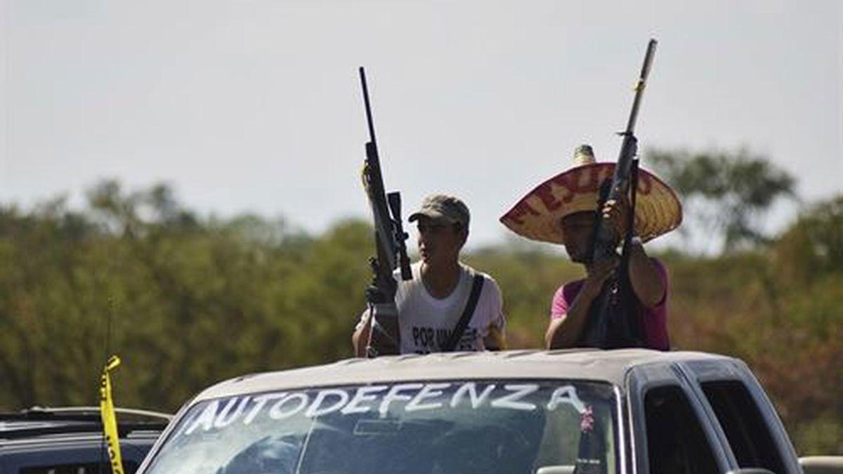 México comienza a regular las 'autodefensas' en Michoacán