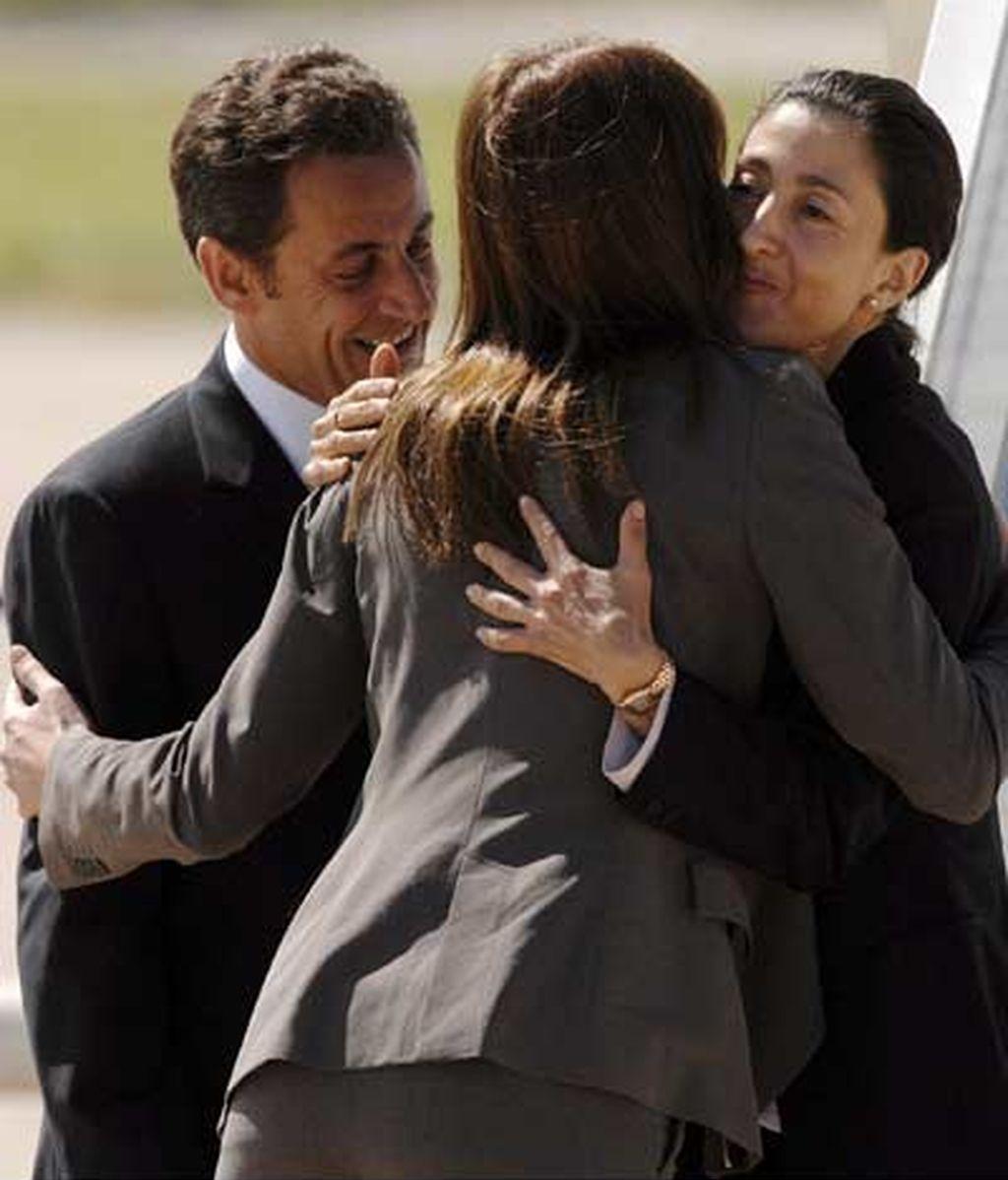 Abrazo a Ingrid Betancourt