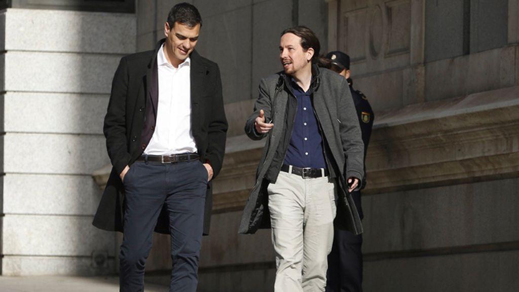 Iglesias y Sánchez llegan juntos al Congreso