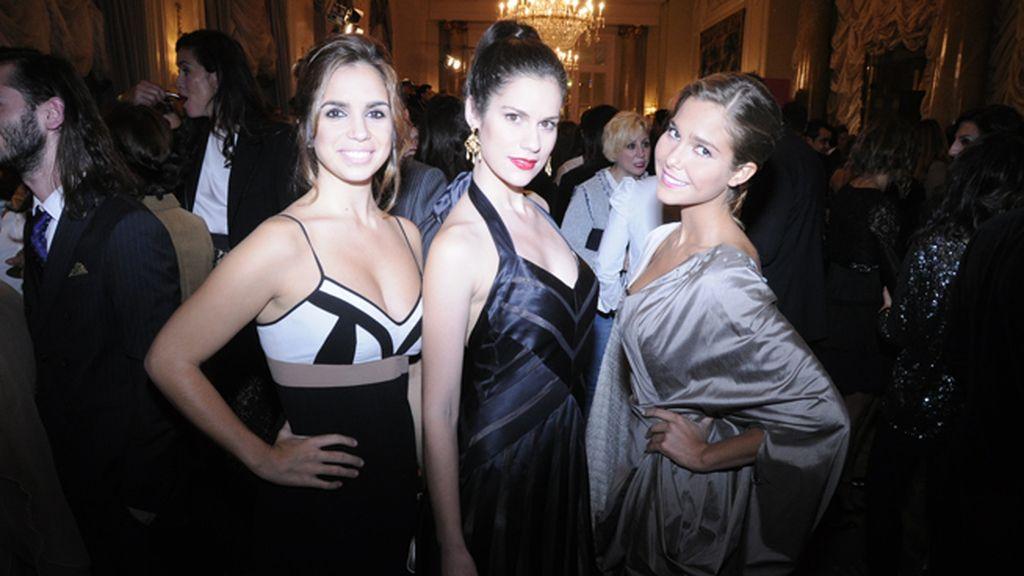 Elena Furiase eligió un modelo de Adolfo Domínguez, Lidia San José se decantó por Bcbg y Natalia Sánchez acudió con un vestido de Ion Fiz