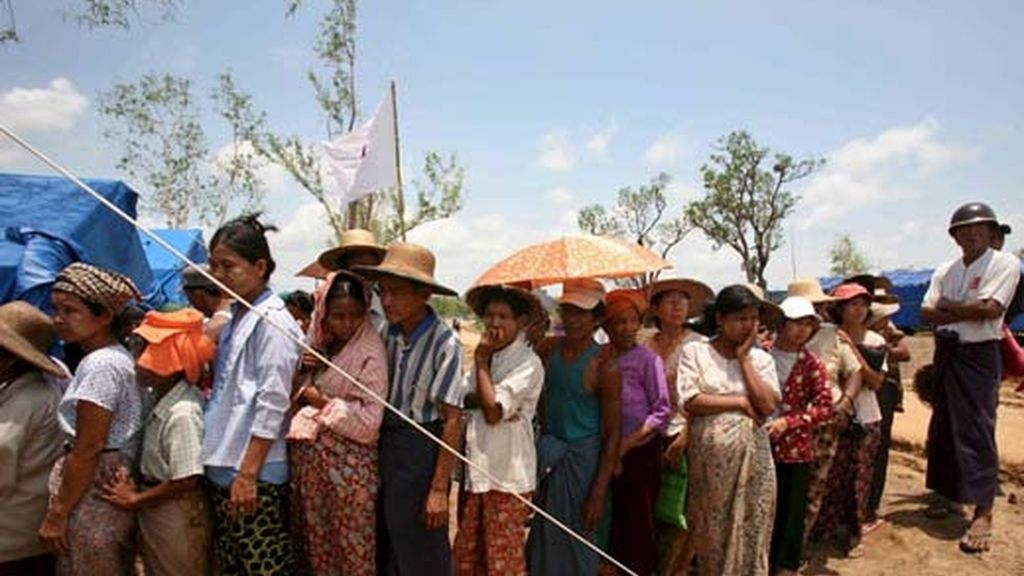 La ayuda internacional llega con dificultad a Birmania. Vídeo: Atlas