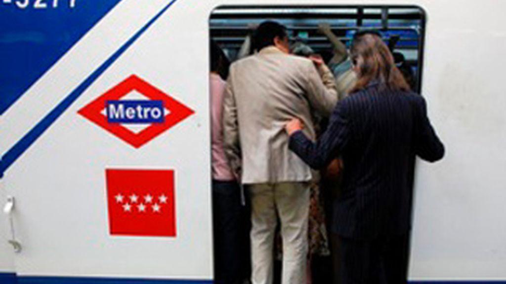 Metro y el Comité de Huelga alcanzan un acuerdo por el que los empleados verán reducida su nómina en un 1%