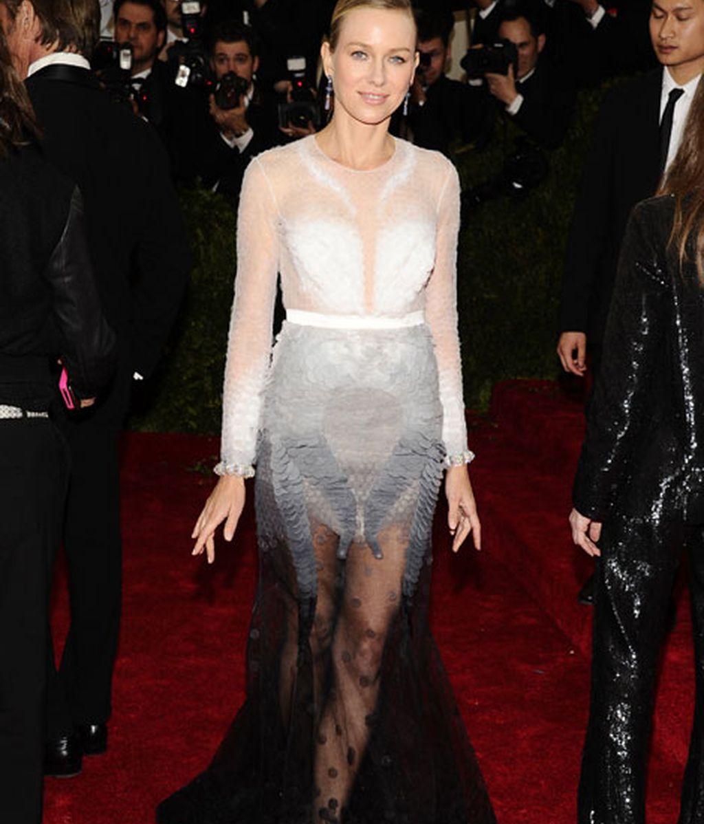 Naomi Watts de Givenchy
