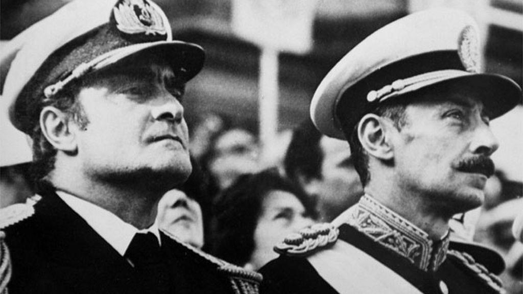 Emilio Massera junto a su compañero Jorge Videla
