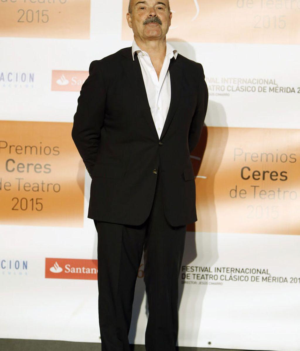 Antonio Resines optó por el traje negro