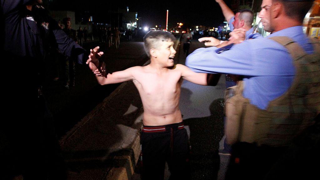 Le quitan el chaleco bomba a un niño de 13 años antes de que se hiciera explotar