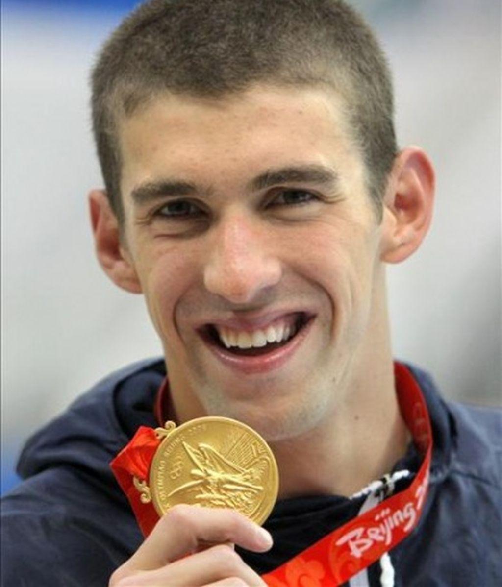 Phelps iguala a Spitz en oros