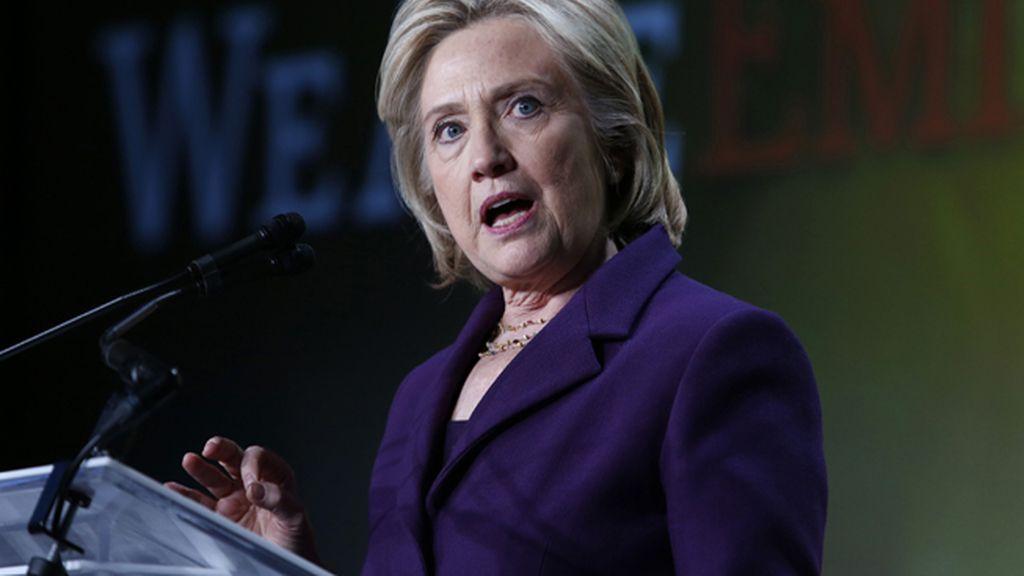 Clinton pide permiso al Departamento de Estado para publicar sus correos electrónicos