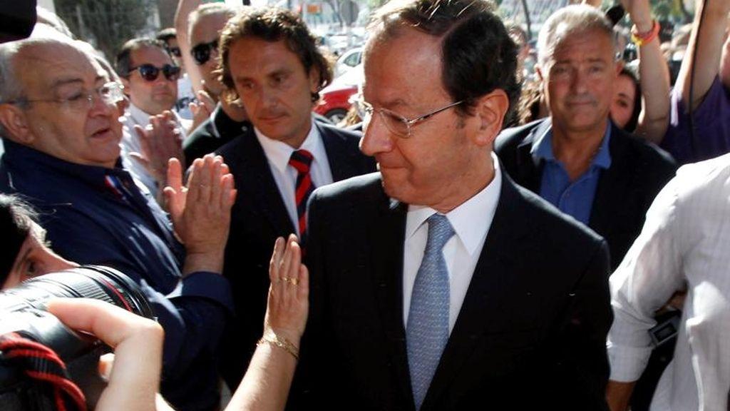 """ID: CUAIMA20120615_0013 El alcalde de Murcia, Miguel Ángel Cámara Botía, ha llegado esta mañana a los juzgados con semblante """"tranquilo"""" y con """"ganas de contestar a todo lo que se plantee""""."""