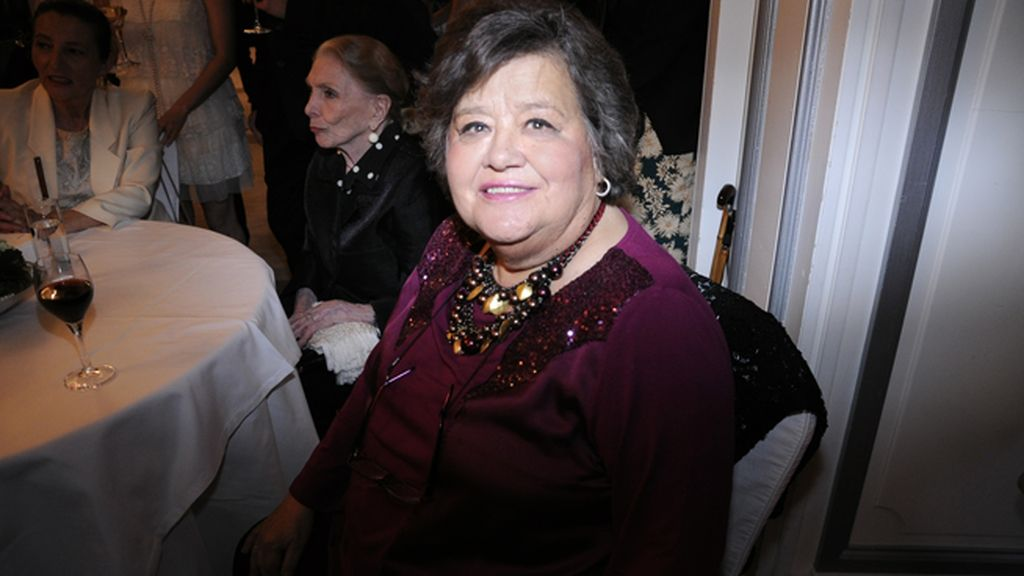 Cristina Almeida, gran amiga de María Dolores Pradera, estuvo junto a la cantante en esta noche tan especial