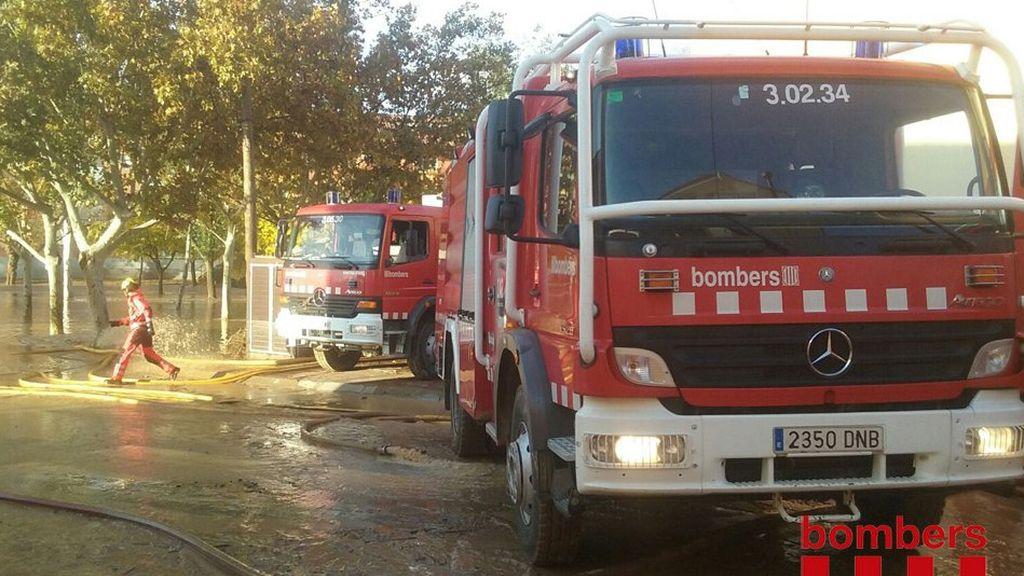 Los bomberos siguen trabajando en la residencia de ancianos de Agramunt