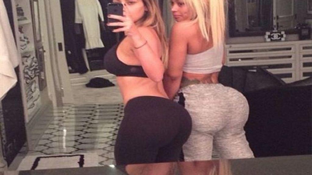 Kim Kardashian empieza el año presumiendo de posaderas