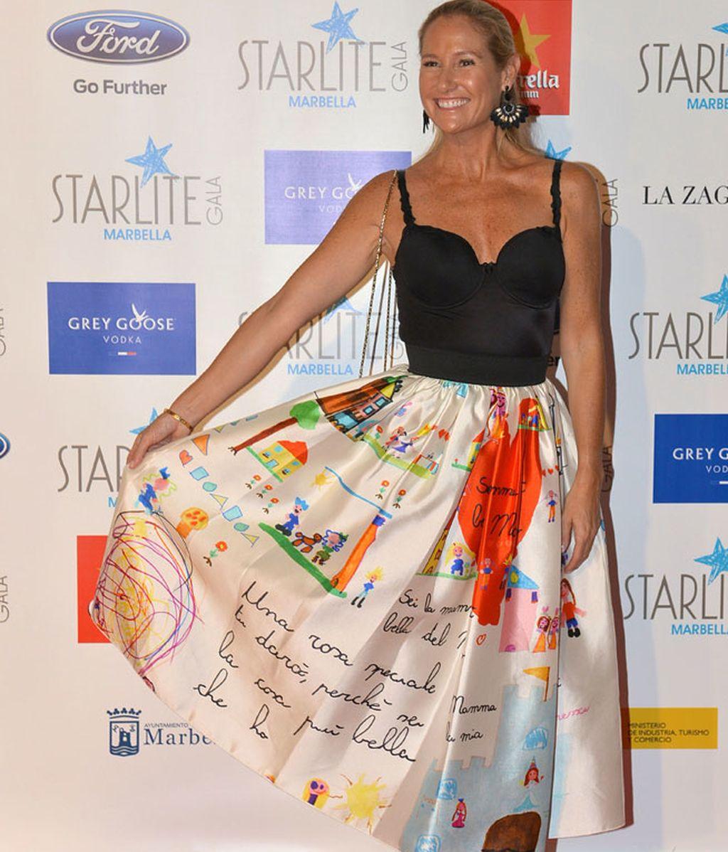 Fiona Ferrer con falda de Dolce&Gabanna y unos louboutin