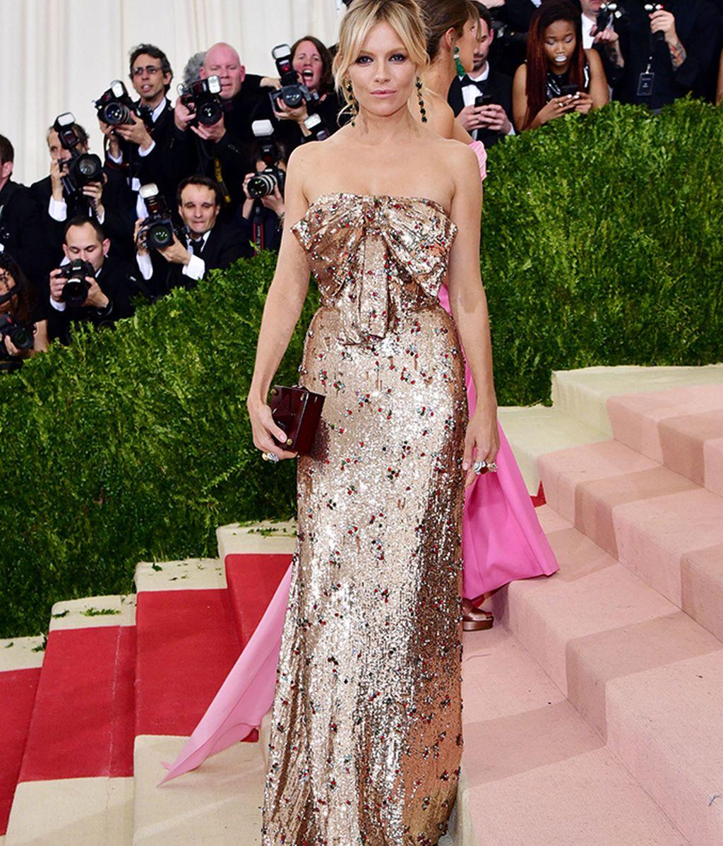Sienna Miller vestida de Gucci
