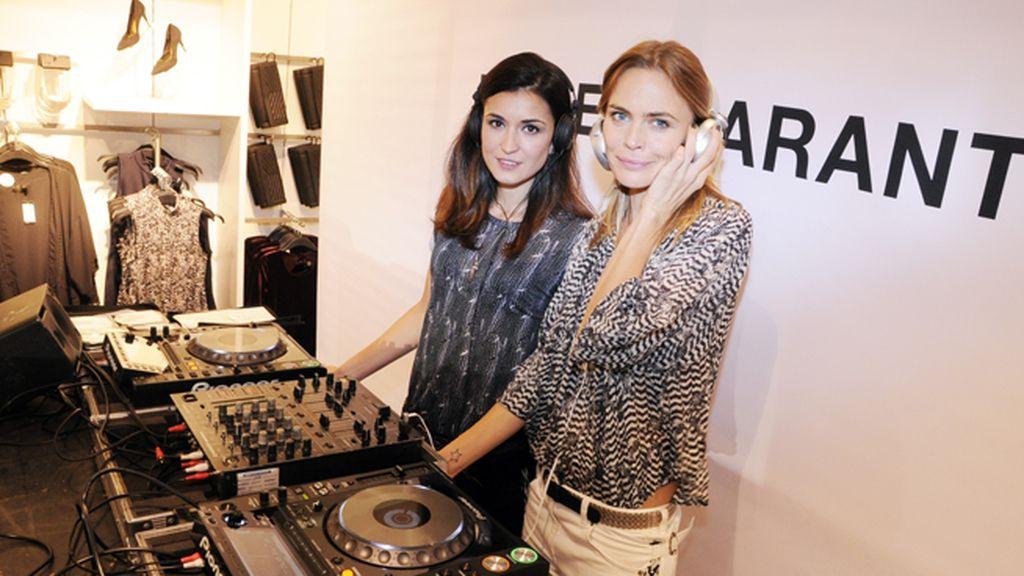 Verónica Blume debutó como DJ junto a Sara Reig en la fiesta de H&M