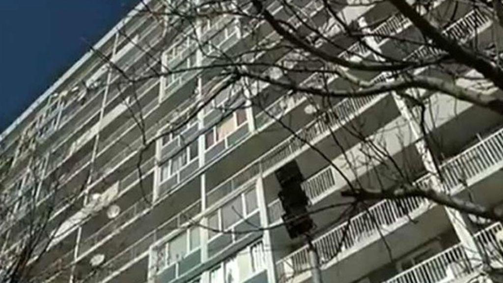 """Encuentran a cuatro """"niños salvajes"""" en un apartamento en París"""