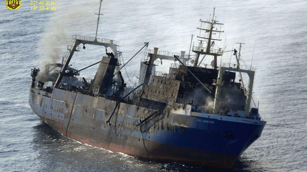 El Oleg Naydenov se hunde en Canarias y obliga a activar medidas contra la contaminación