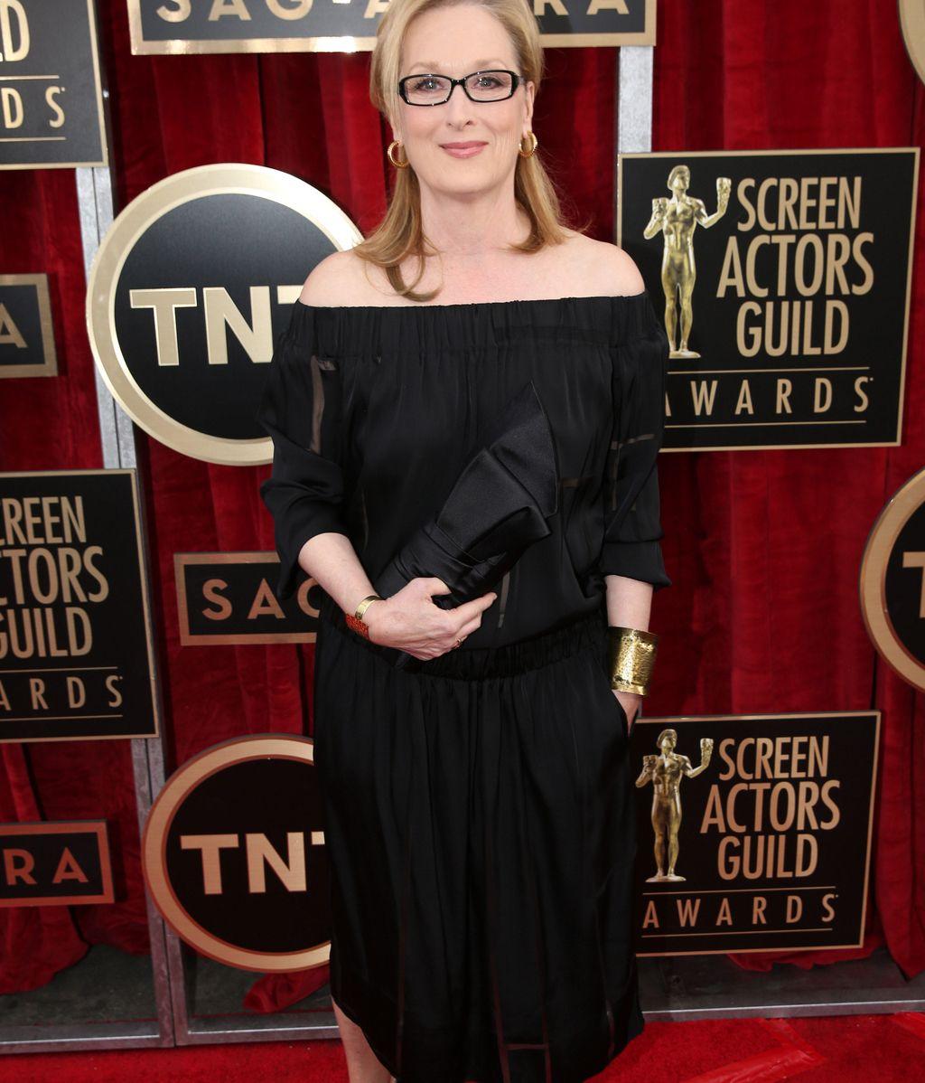 Meryl Streep, muy elegannte de negro y dorado