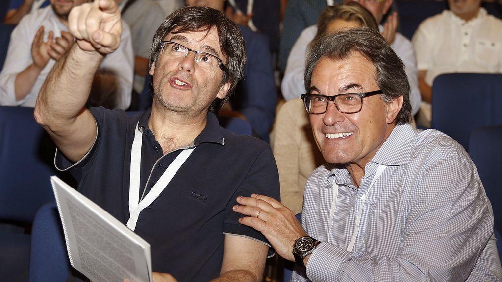 Carles Puigdemont y Artur Mas en el congreso sobre la refundación de CDC
