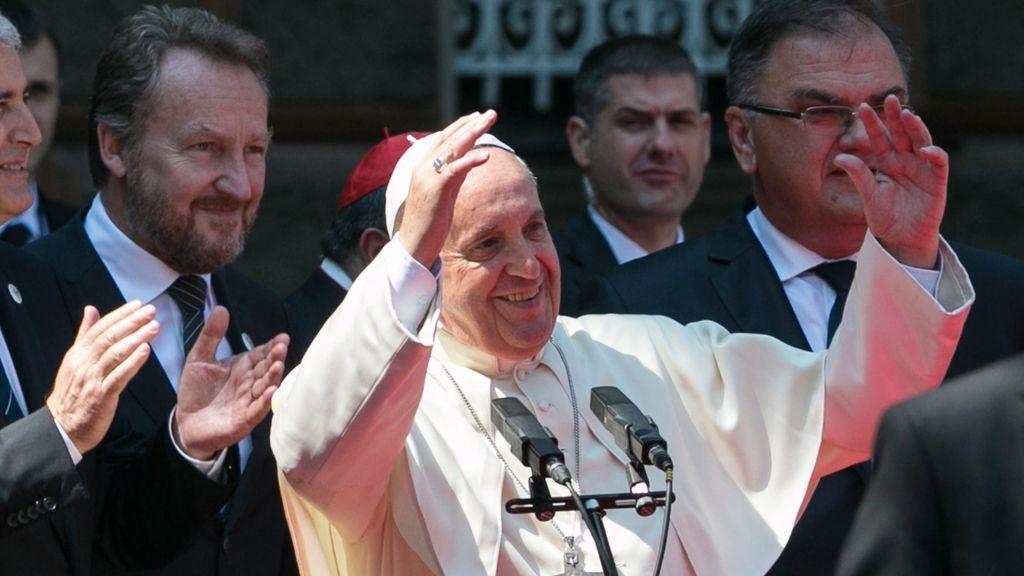 """El Papa pide que los procesos de paz del país sean """"sólidos e irreversibles"""""""