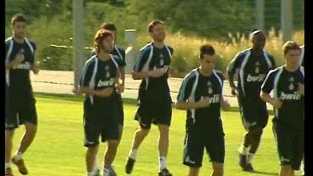 Xabi Alonso ya entrena con el Real Madrid
