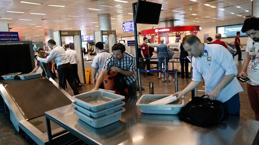 El aeropuerto Ataturk de Estambul comienza a operar