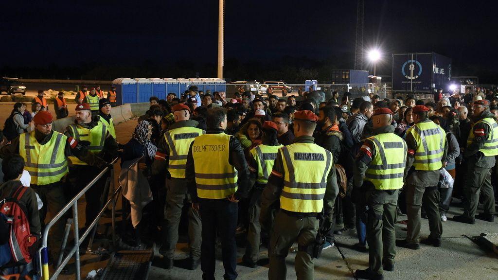 Hungría moviliza a reservistas para ayudar en la crisis migratoria