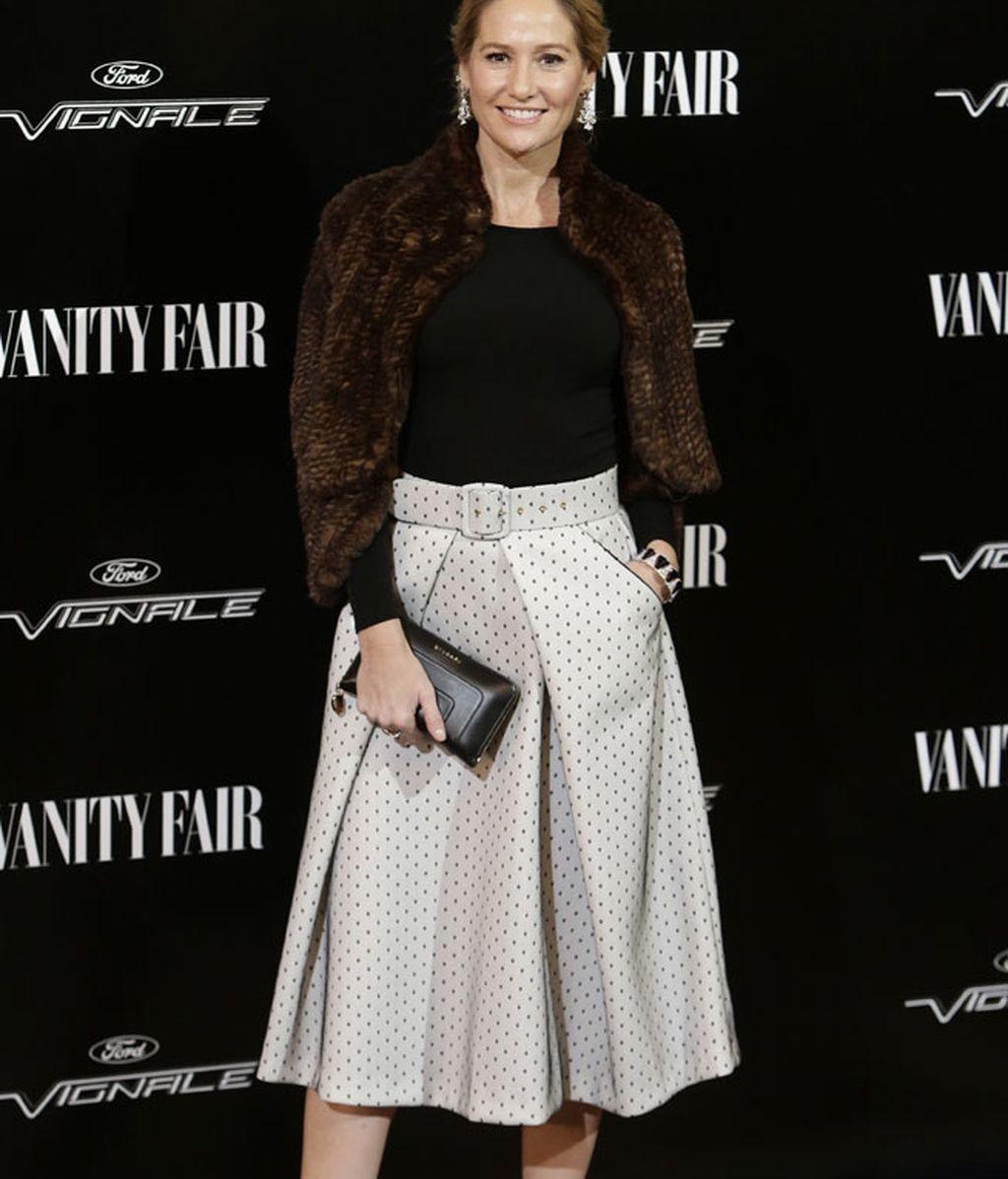 Fiona Ferrer apostó por una falda gris con lunares estilo años 50