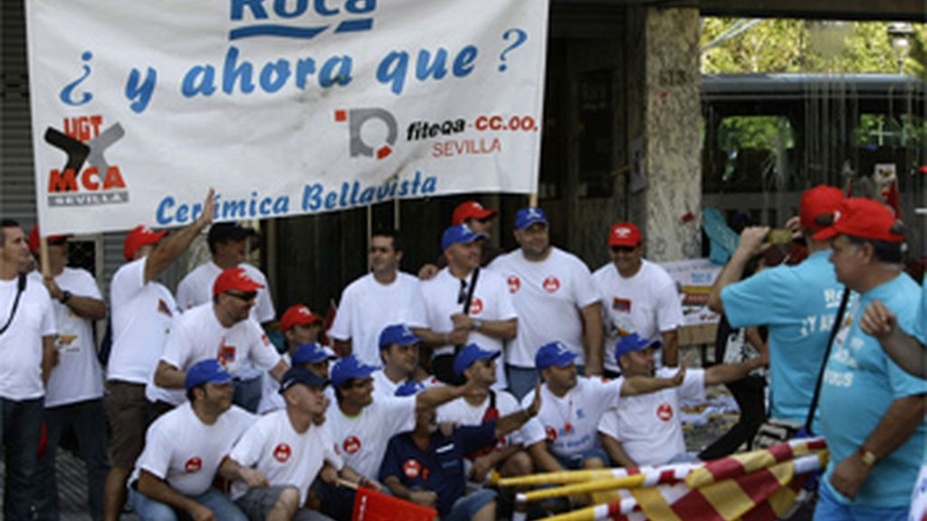 Trabajadores de Roca protestando por el anuncio del ERE