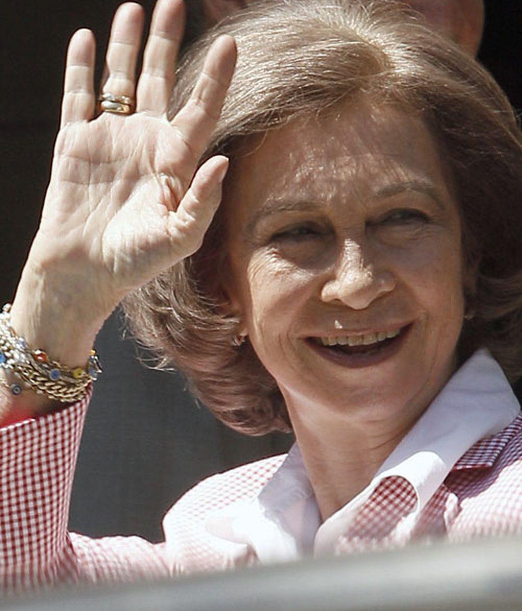 La reina Sofía a su llegada al hospital
