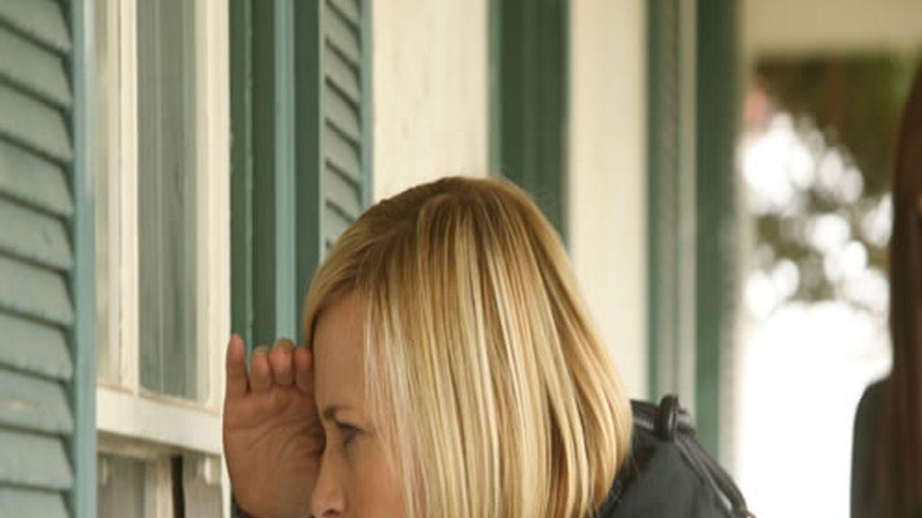 Allison Dubois intentando resolver un misterio